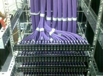 Патч-панель большой информационной сети